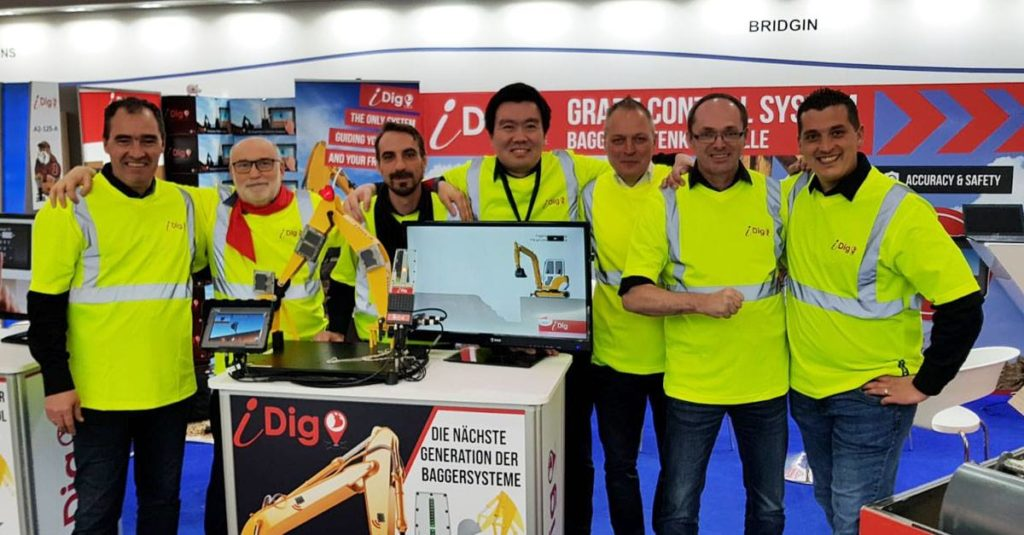 iDig team at BAUMA munich 2019